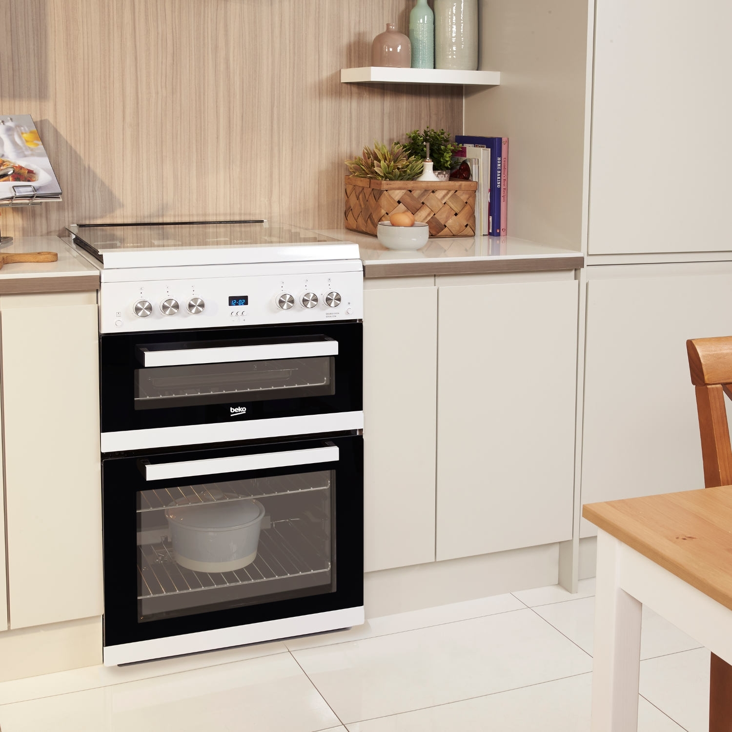 Beko 60cm Double Oven Gas Cooker with Glass Lid - White - 4